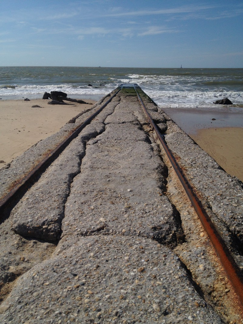 Soulac-sur-mer, rail track into the sea
